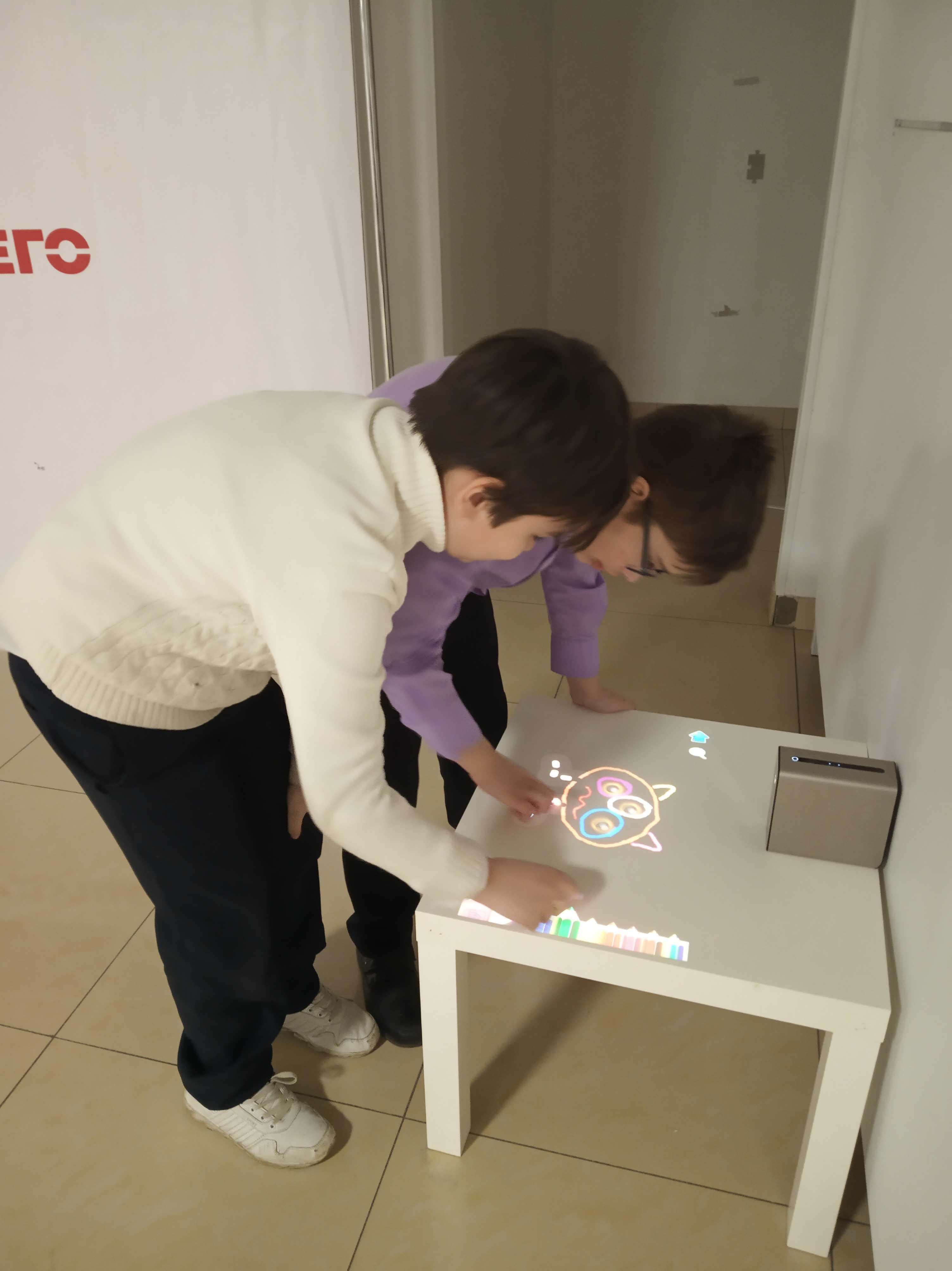 Выставка «Вселенная роботов»