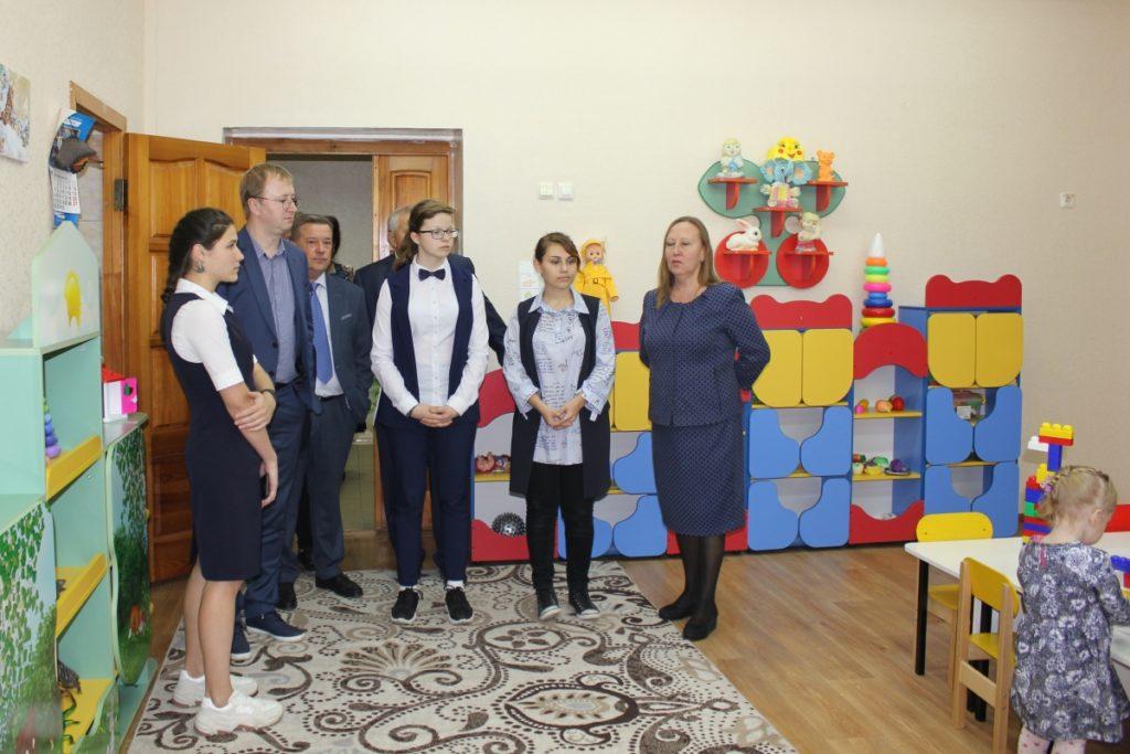 Анатолий Якутин посетил организации для детей-сирот и Центр образования, реабилитации и оздоровления