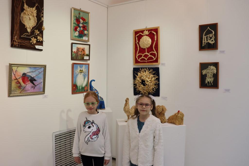 Выставка «Через тернии к звездам»