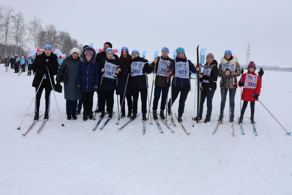 Учащиеся и педагоги нашей школы — на «Лыжне России — 2020»